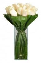 Buquê De Rosas Brancas  no Vidro Grande